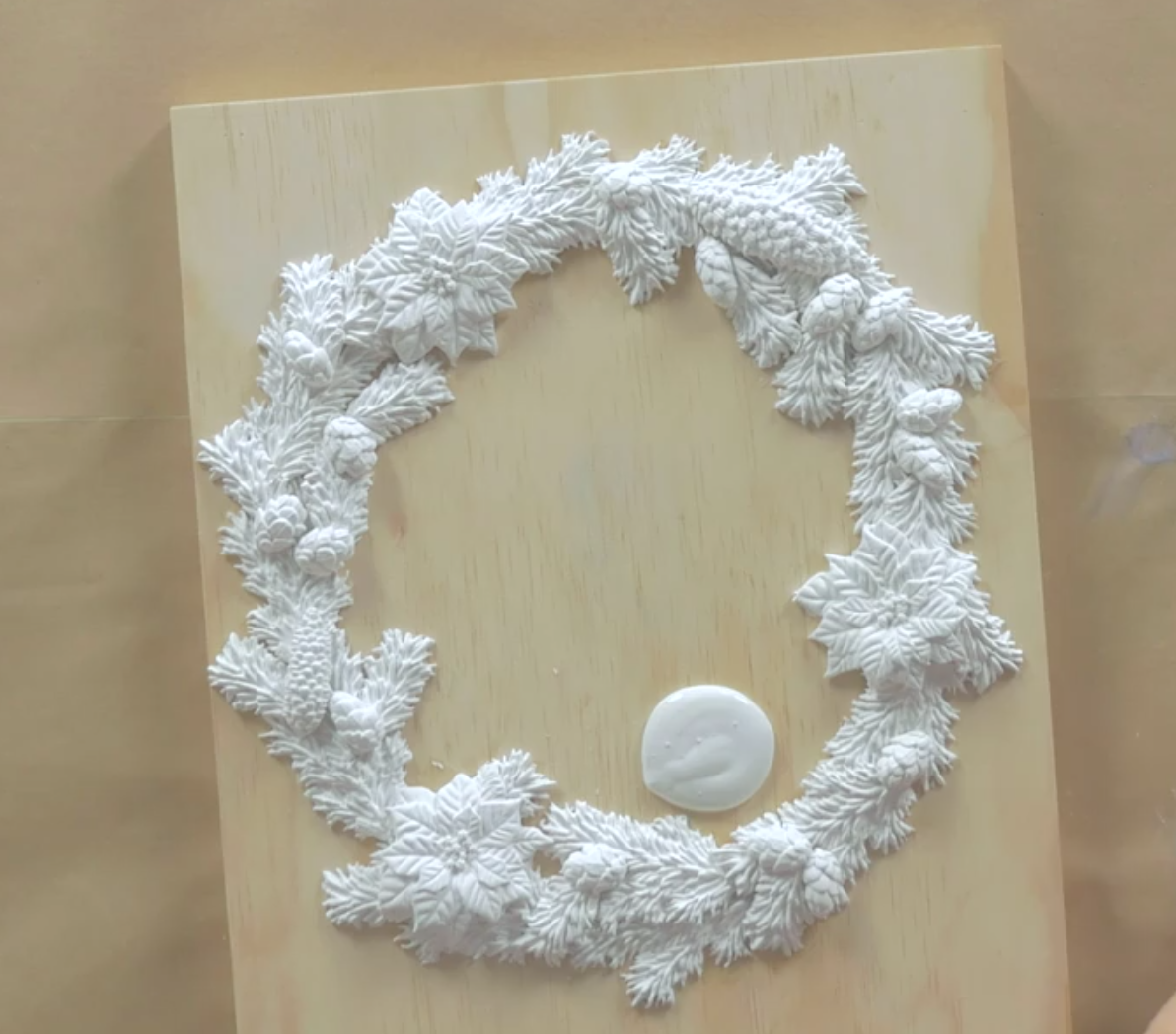 use chalk paint to coat the diy Christmas wall decor